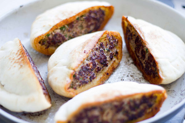 Middle Eastern Ground Beef Recipe  Spicy Middle Eastern Arayes Ground Beef Stuffed Pita