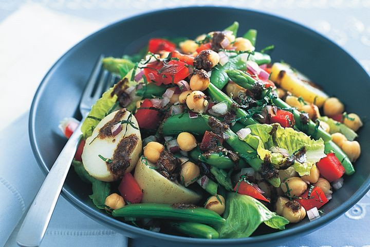 Middle Eastern Veggie Recipes  Middle Eastern chickpea and ve able salad