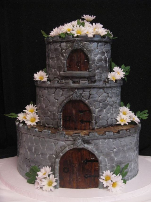 Midevil Wedding Cakes  Check Out these Wild and Wacky Wedding Cakes CRYSTAL EVE
