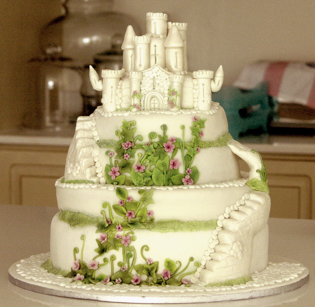 Midevil Wedding Cakes  me val castle cake