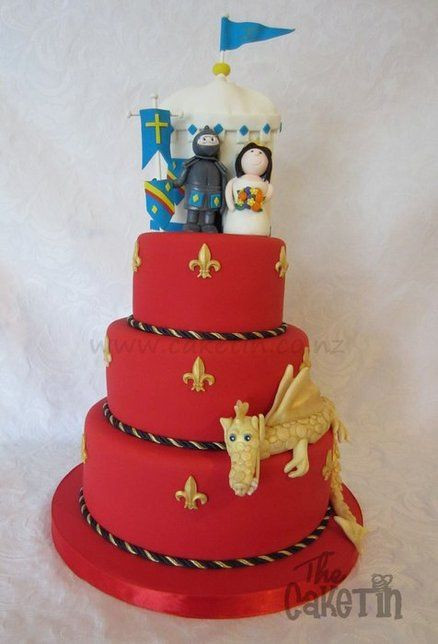 Midevil Wedding Cakes  Me val Wedding cake just the red and gold