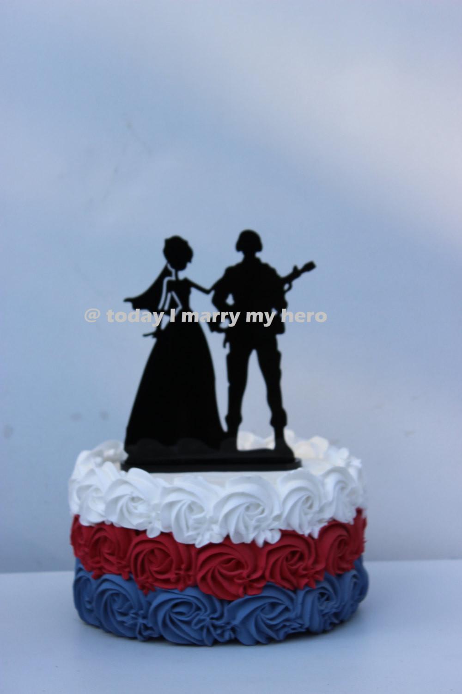 Military Wedding Cakes  Military Army Sol r Wedding Cake topper Groom gun