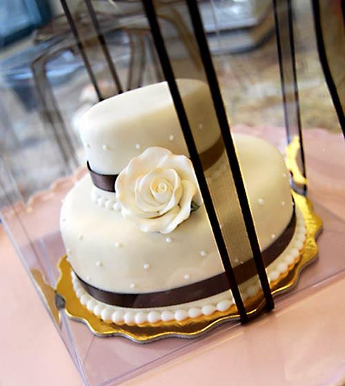 Mini Wedding Cakes  Adorable Mini Wedding Cakes