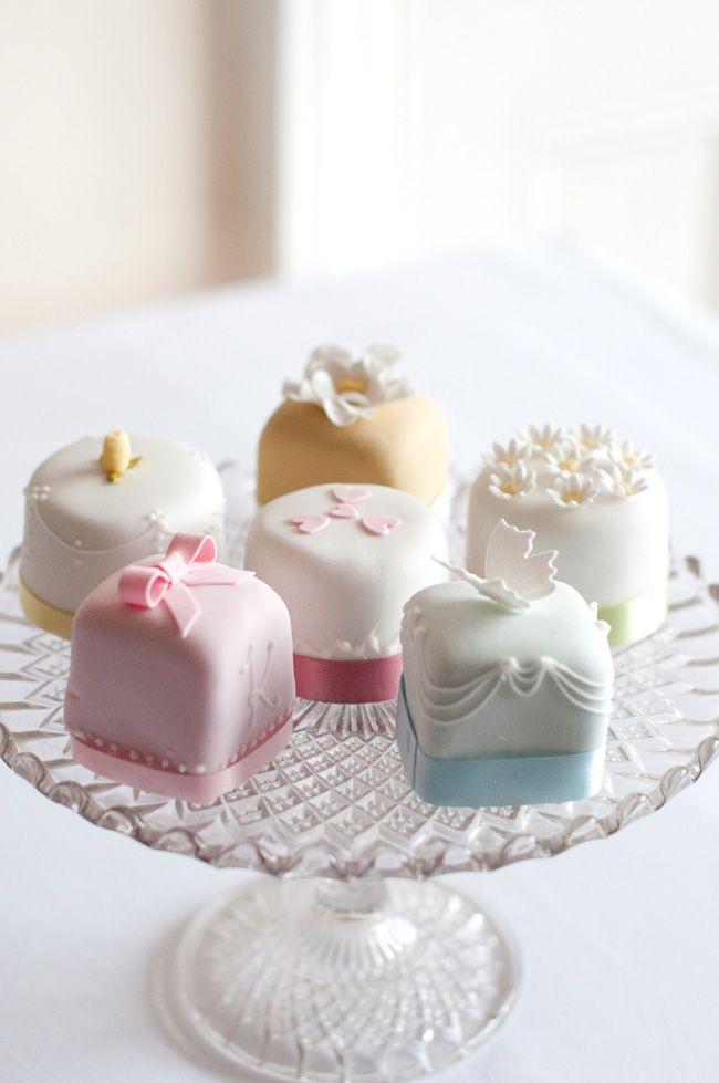 Mini Wedding Cakes  20 Mini Wedding Cakes Too Good To Eat Plus Tutorials