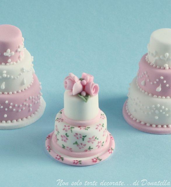 Miniature Wedding Cakes  20 Mini Wedding Cakes Too Good To Eat Plus Tutorials