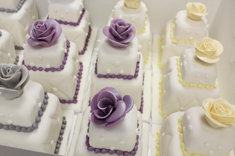 Miniature Wedding Cakes  100 mini wedding cakes marathon