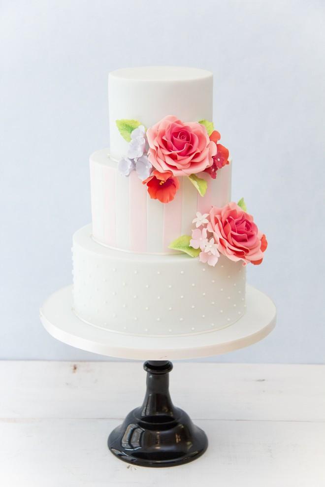 Modern Wedding Cakes  Modern Wedding Cake Baking And Decorating