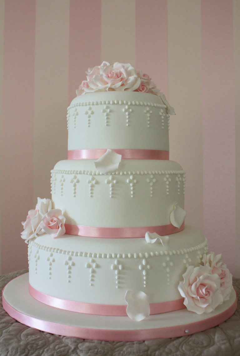 Most Beautiful Wedding Cakes In The World  The most beautiful wedding cakes Part II – Bo mariage