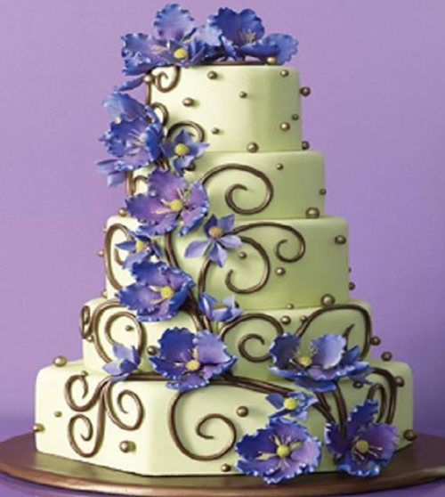 Most Beautiful Wedding Cakes In The World  unusual stunning wedding cakes
