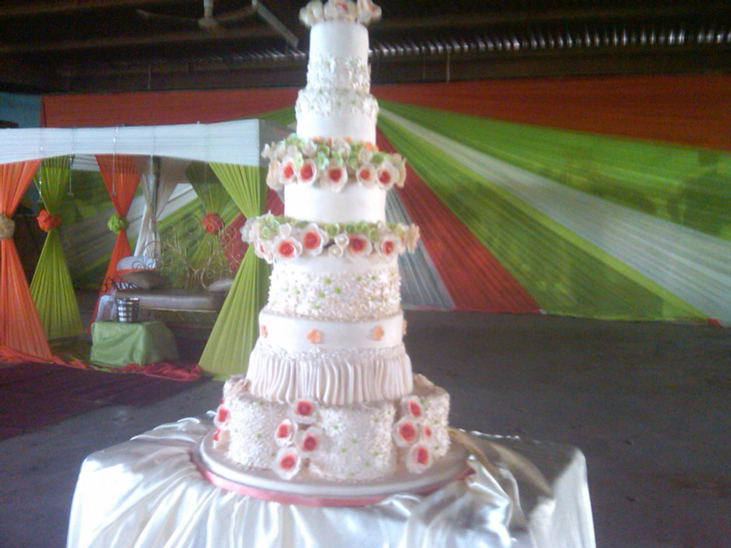 Most Expensive Wedding Cakes  The World s Most Expensive Wedding Cake Food 2 Nigeria