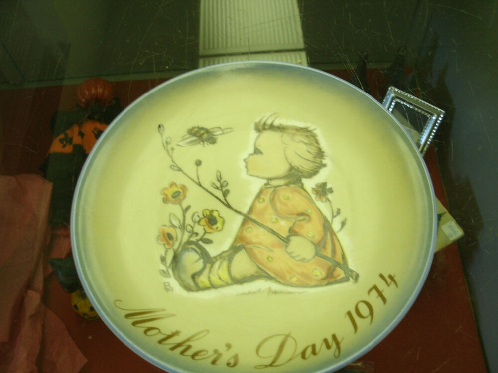 Mother'S Day Desserts  Hummel Mother s Day Plate 1974 The Bumblebee
