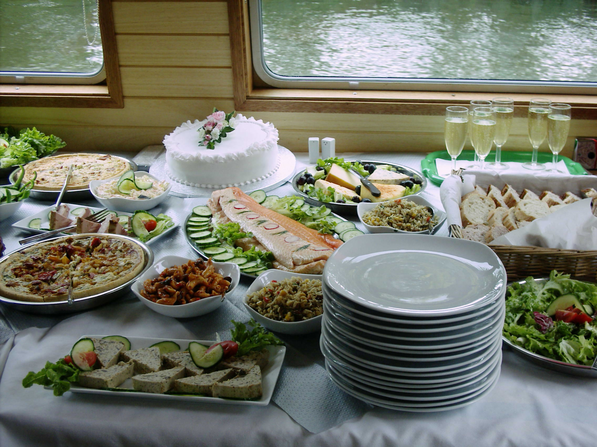 Mother'S Day Dinner Restaurants  55 Buffet Table Settings Ideas Show Me Your Table place