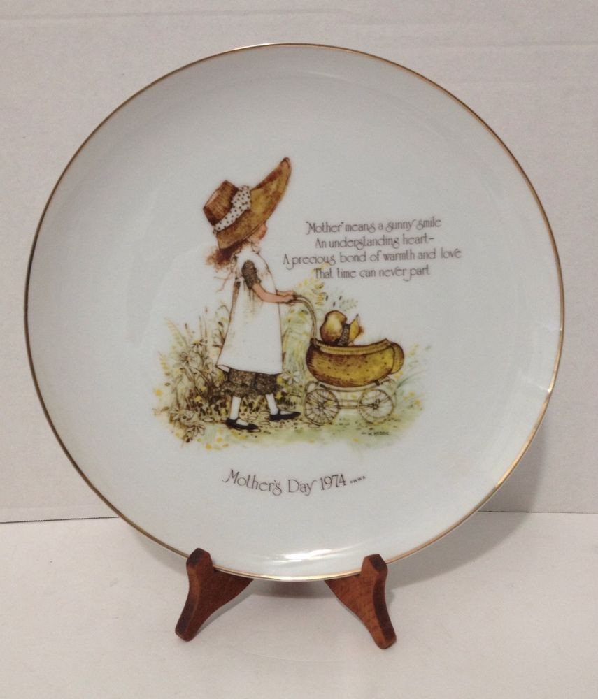 Mother'S Day Dinners  Vintage 1975 Holly Hobbie Collectible Porcelain Mother s