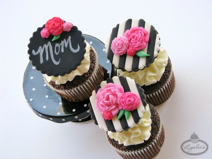 Mothers Day Cupcakes  Quick & Easy Mother s Day Cupcakes Decorating Tutorial