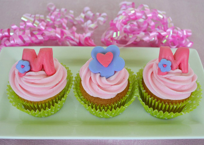 Mothers Day Cupcakes  M O M Mother s Day Cupcakes Recipe