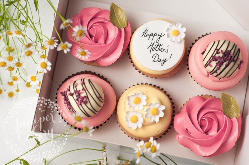 Mothers Day Cupcakes  Mother s Day Cupcakes and Macarons in Hull