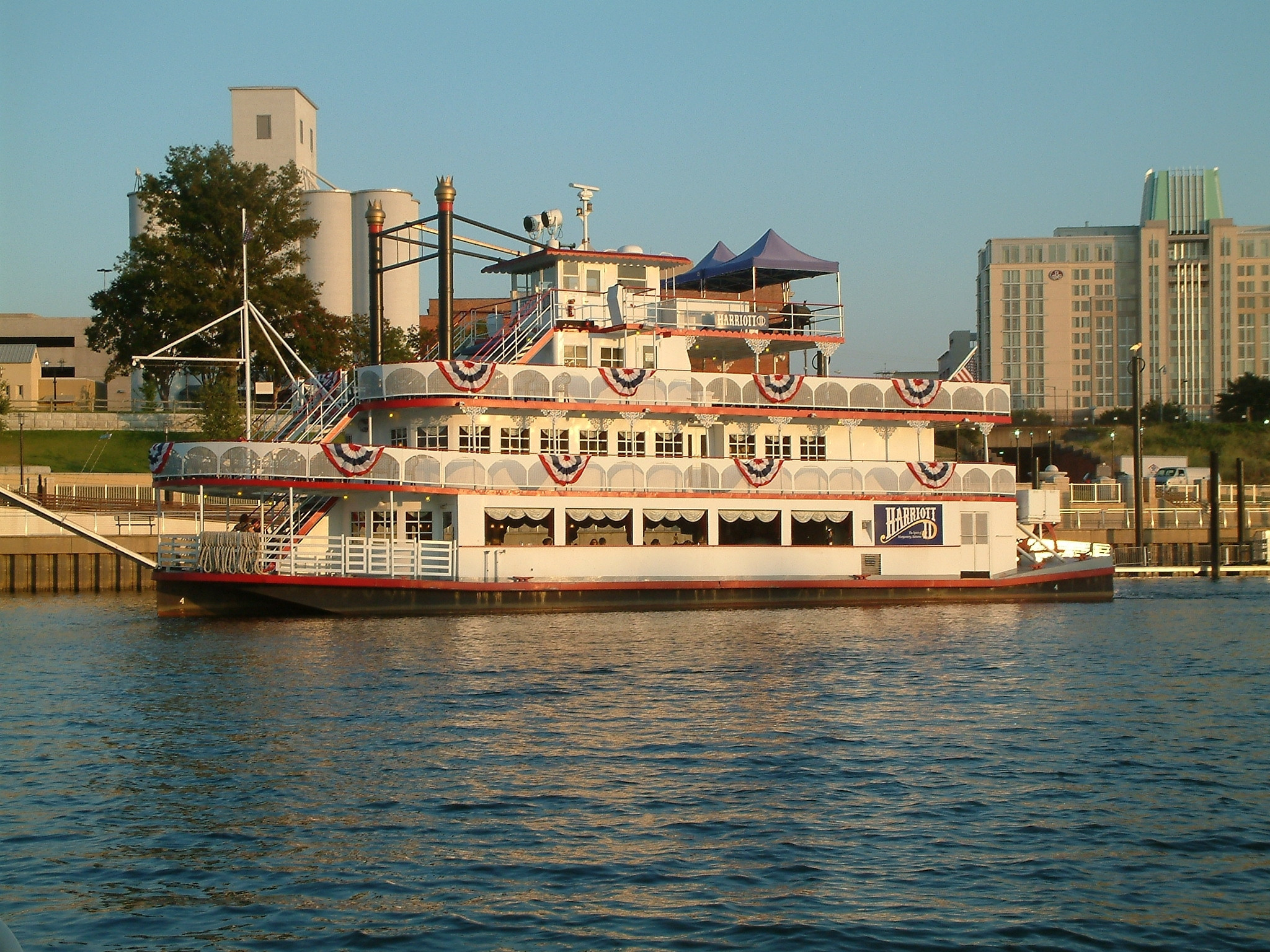 Mothers Day Dinner Cruise  Spend time on a dinner cruise street fair or festival in