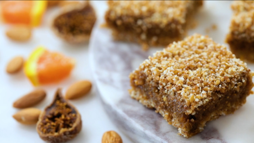 Naturally Healthy Desserts  Ingre nts date paste