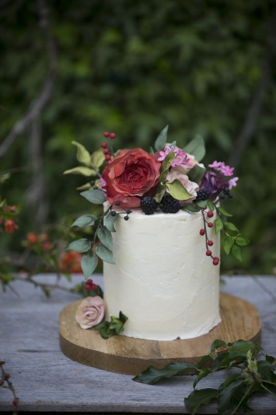 Nature Wedding Cakes  Sugar flowers & fruit with buttercream a natural wedding