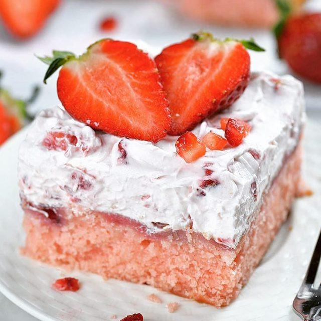 No Bake Summer Berry Lasagna  No Bake Summer Berry Lasagna OMG Chocolate Desserts