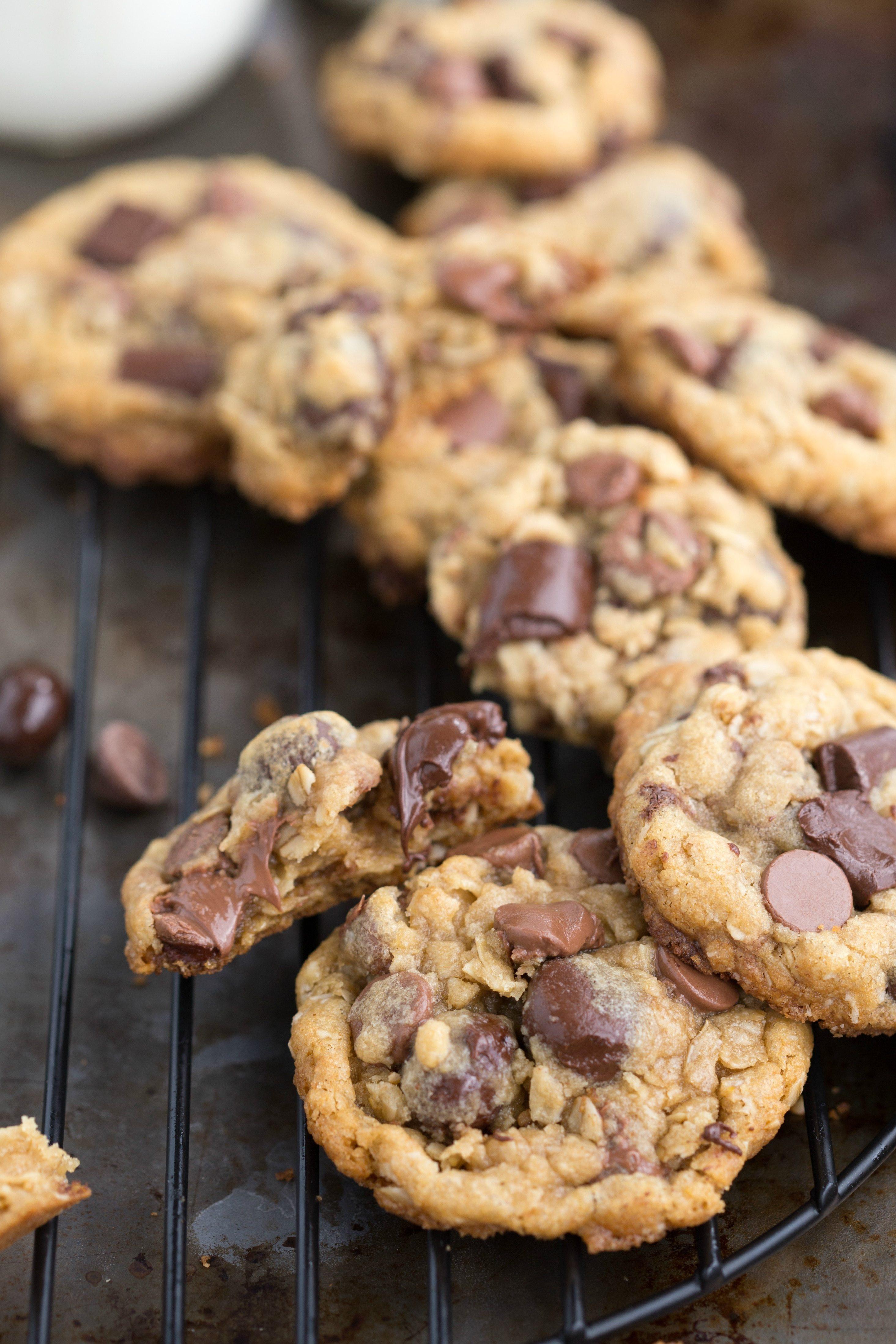 Oat Chocolate Chip Cookies Healthy  Healthier Oatmeal Chocolate Chip Cookies with Dark