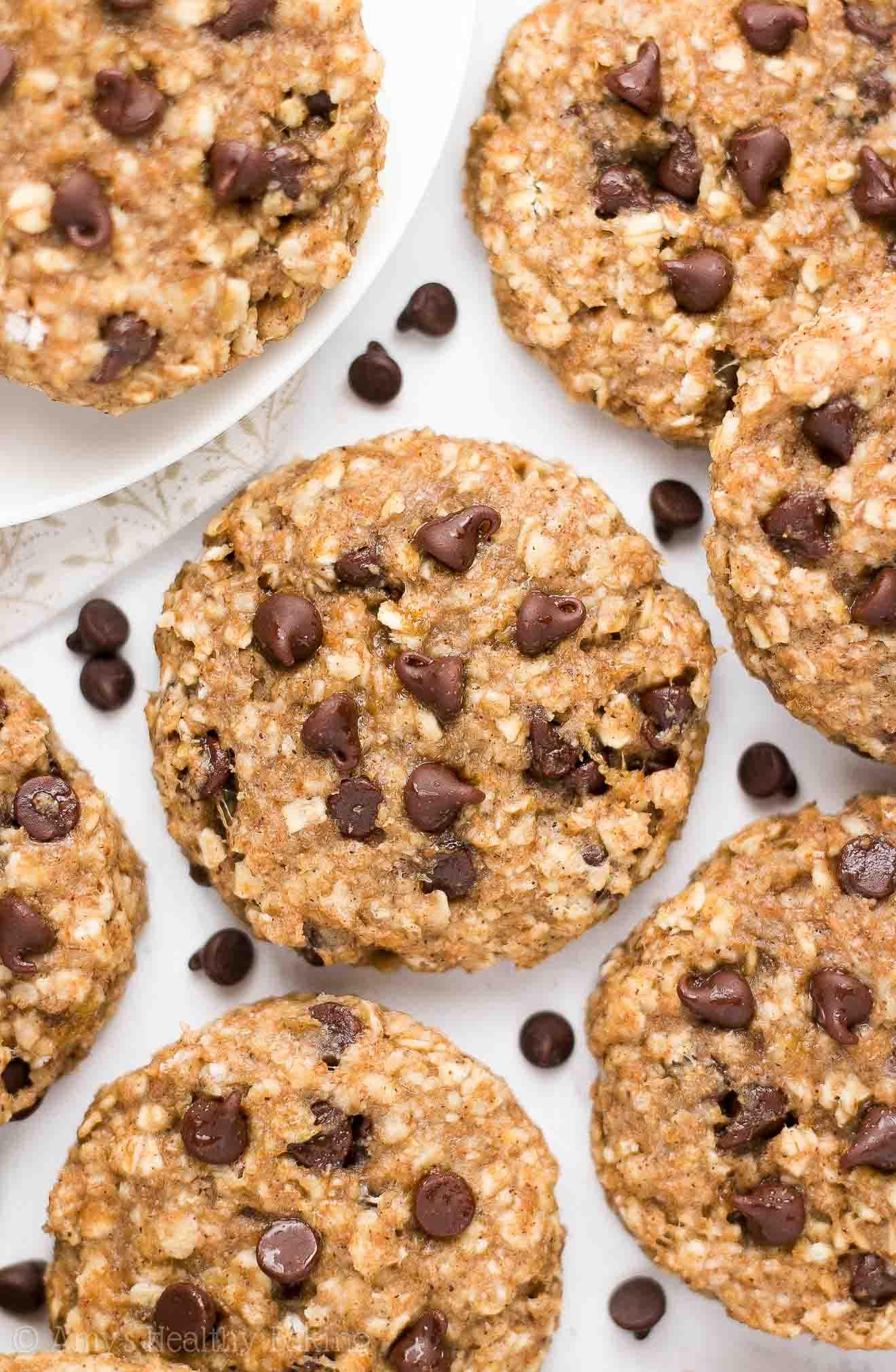 Oatmeal Banana Cookies Healthy  Healthy Chocolate Chip Banana Oatmeal Breakfast Cookies