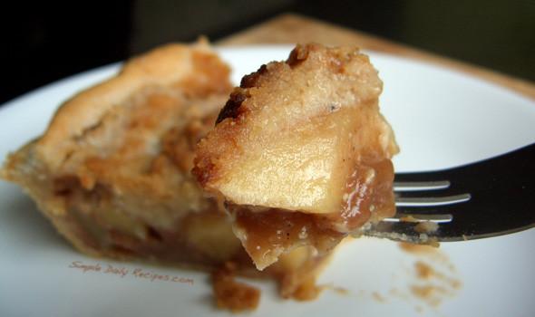Organic Apple Pie Recipe  How to Bake An Organic Apple Pie