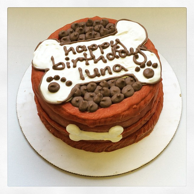 Organic Birthday Cake  Organic Designer Birthday Cakes For Dogs