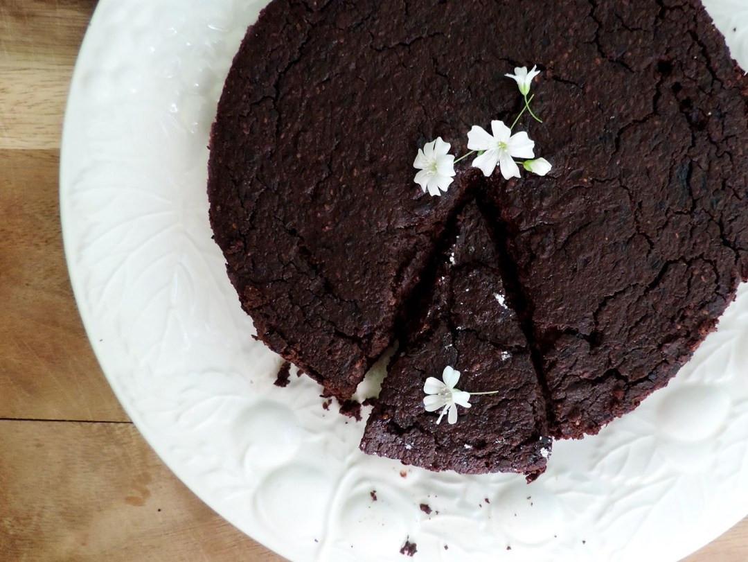 Organic Cake Recipe  RECEIPE ORGANIC VEGAN CHOCOLATE CAKE Loving Islands