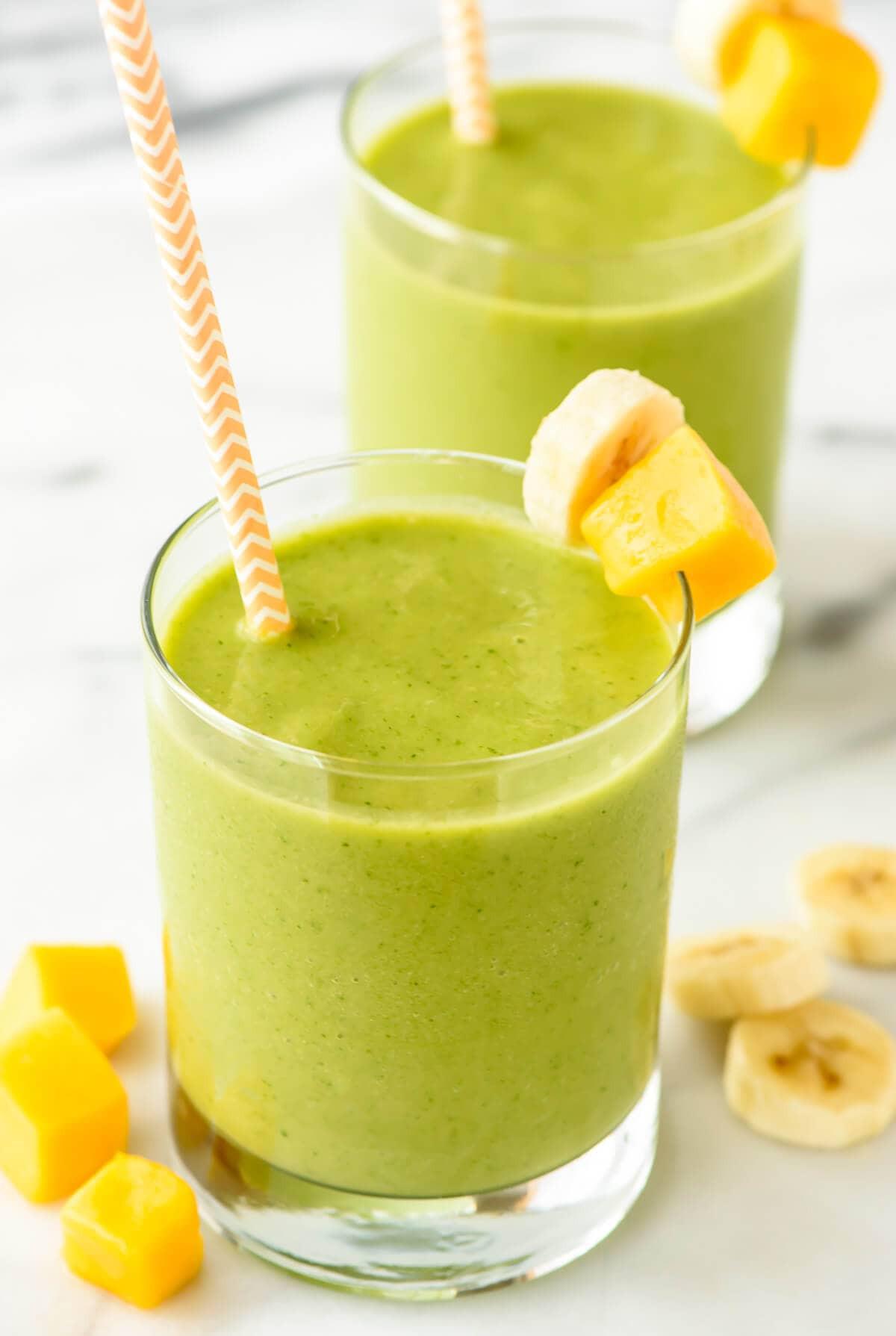Organic Smoothie Recipes  4 Ingre nt Mango Green Smoothie