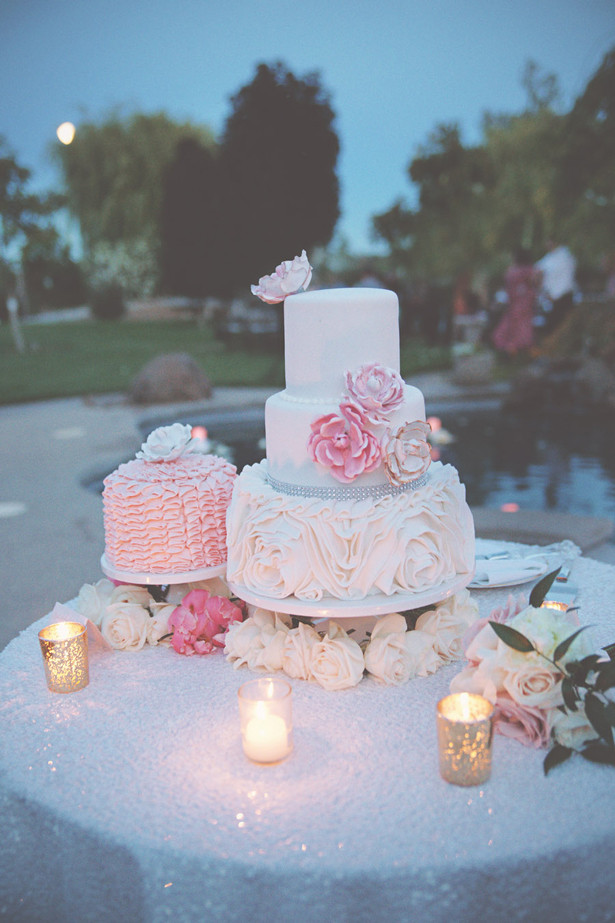 Outdoor Wedding Cakes  Soft and Romantic Outdoor Wedding Belle The Magazine