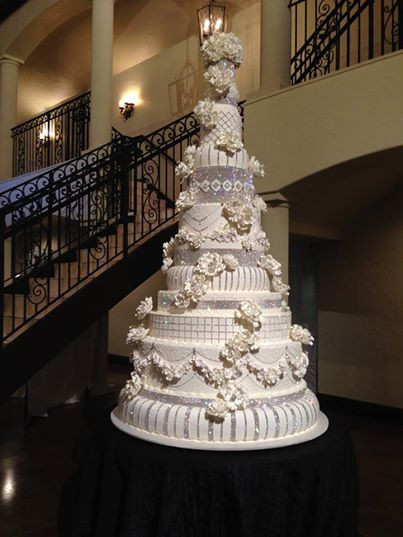 Outrageous Wedding Cakes  1000 images about Outrageous Wedding Cakes on Pinterest
