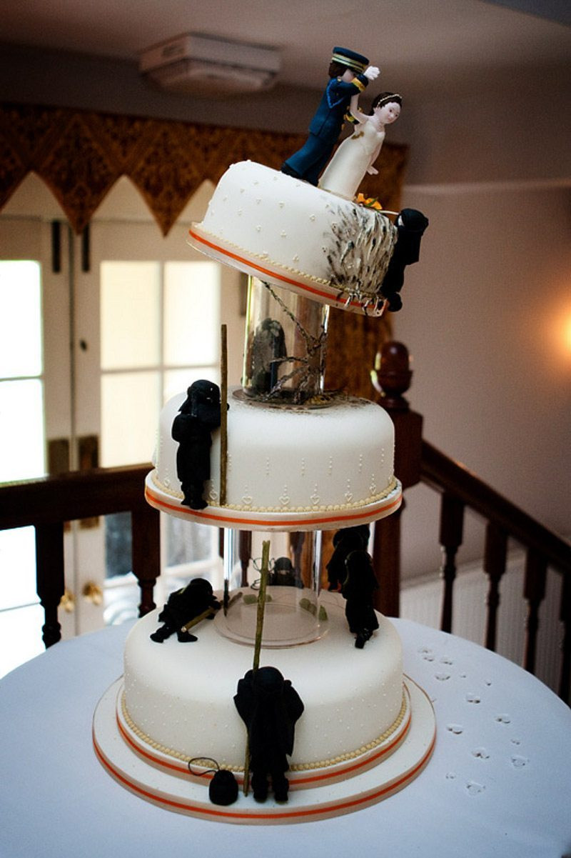 Outrageous Wedding Cakes  20 Outrageous Wedding Cakes That Are Geeky Sweet