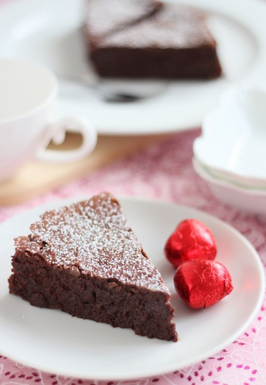 Passover Flourless Chocolate Cake  10 Best images about Holiday Meals on Pinterest