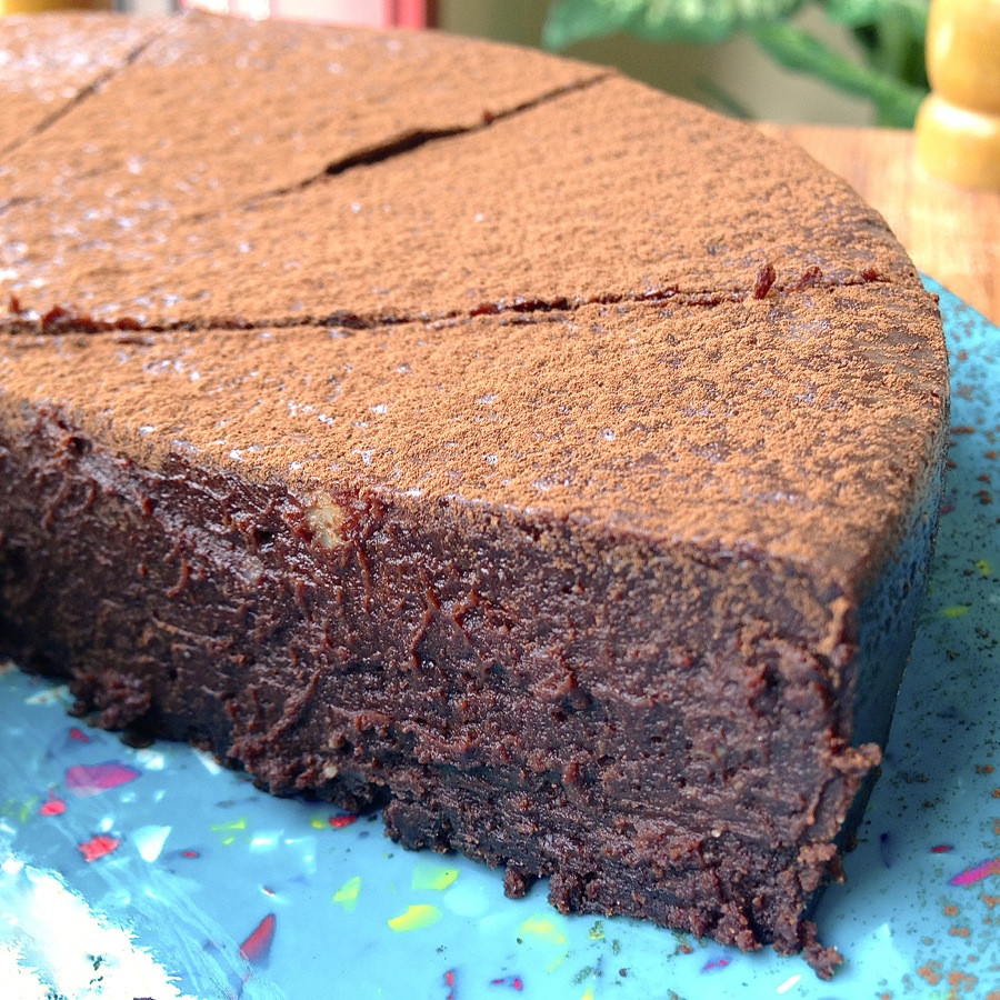 Passover Flourless Chocolate Cake  kosher for passover flourless chocolate cake recipe
