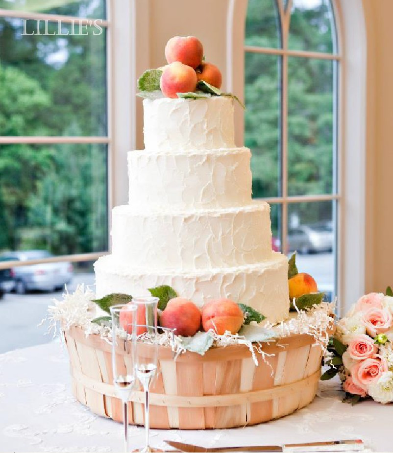 Peach Wedding Cake  LILLIE S FLOWER JOURNAL Real Weddings A Peachy Perfect