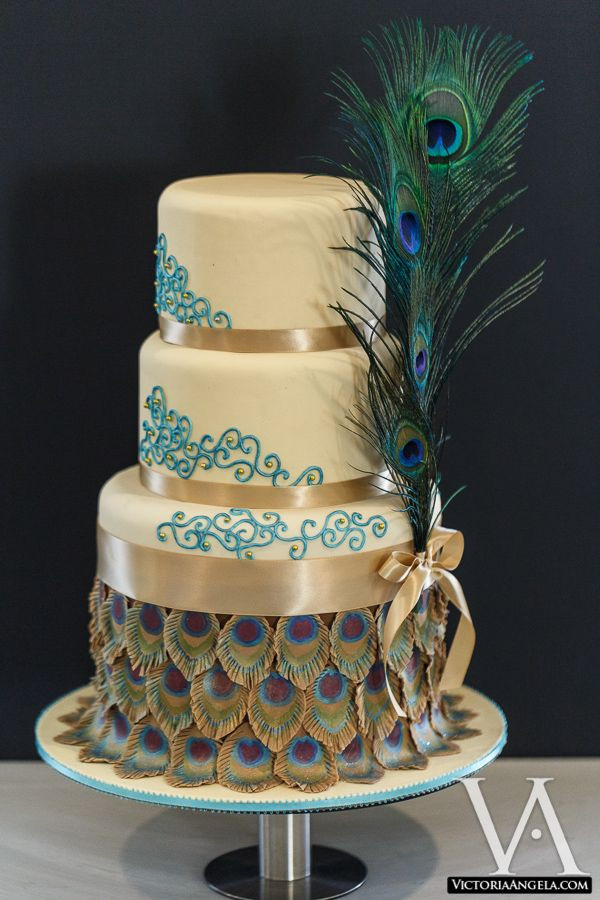 Peacock Themed Wedding Cakes  252 best images about Peacock Wedding Cakes on Pinterest
