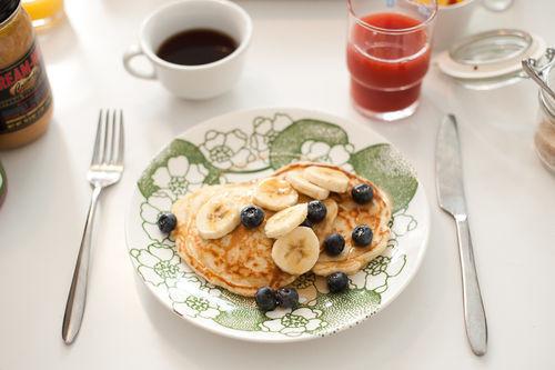 Perfect Healthy Breakfast  Pancaces bananas blueberries – Perfect healthy breakfast