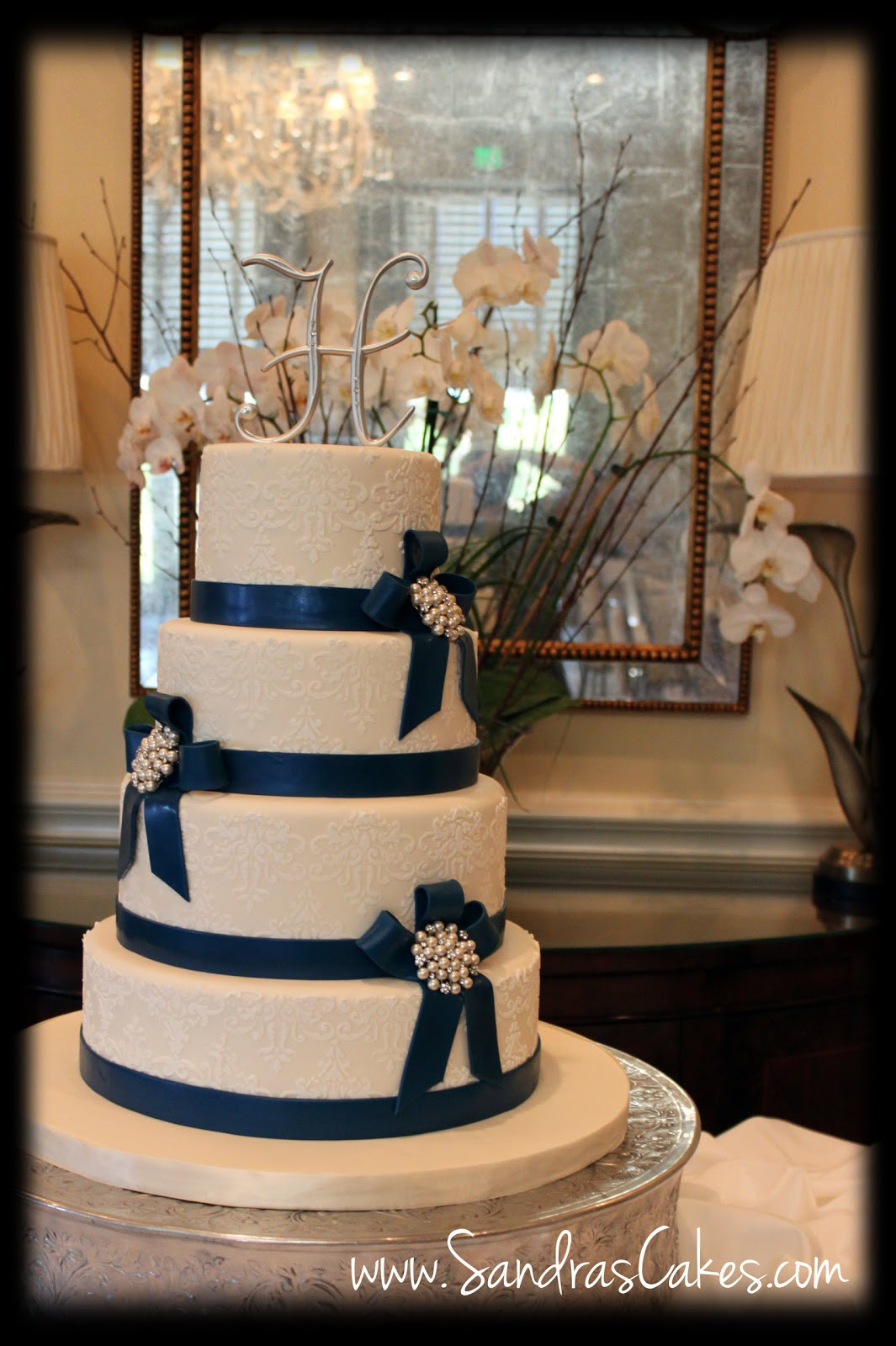 Photos Of Wedding Cakes  Elegant and Classy Wedding Cake
