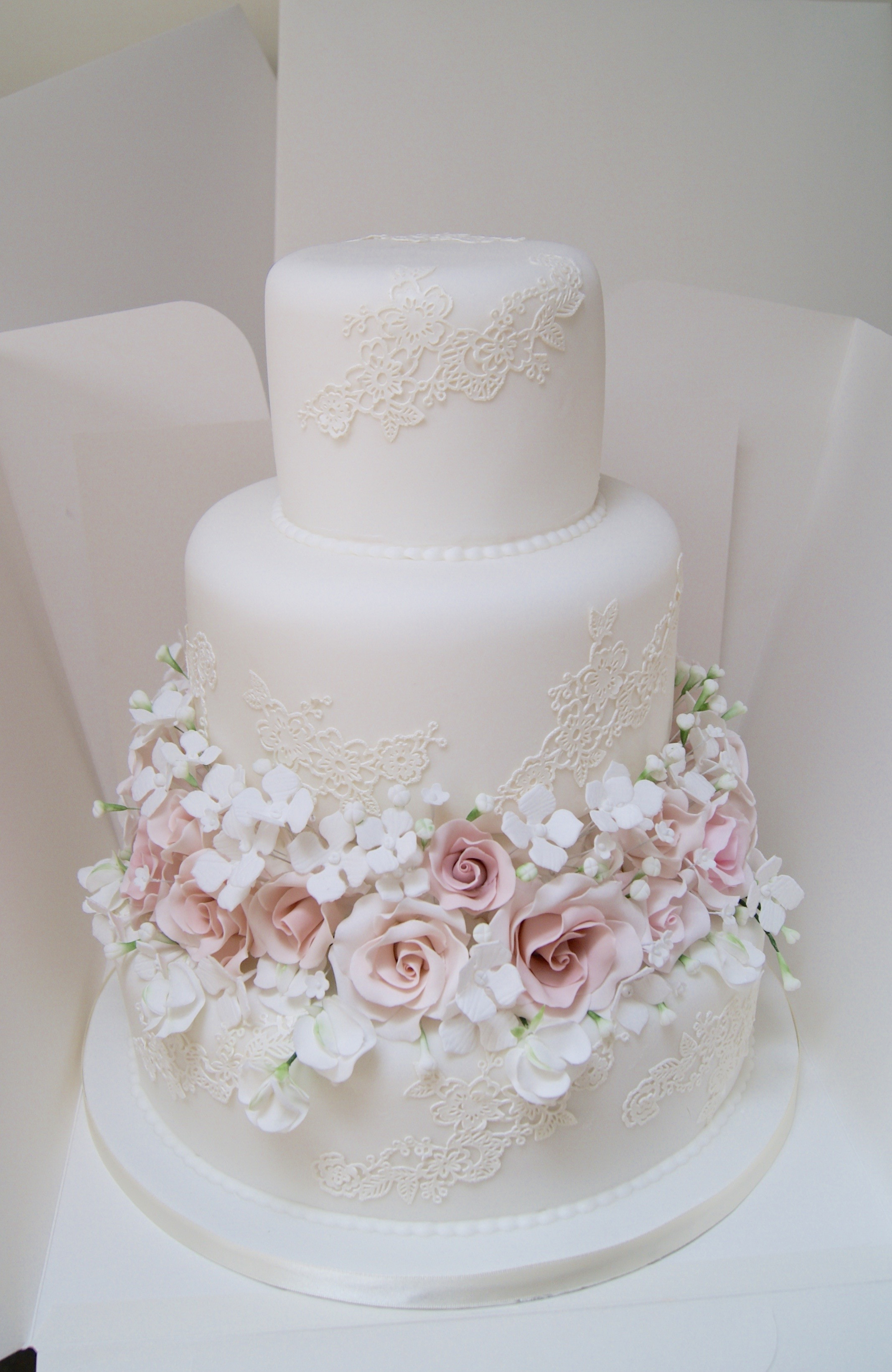 Photos Of Wedding Cakes  Wedding Cake Trends for 2016 Hall of Cakes