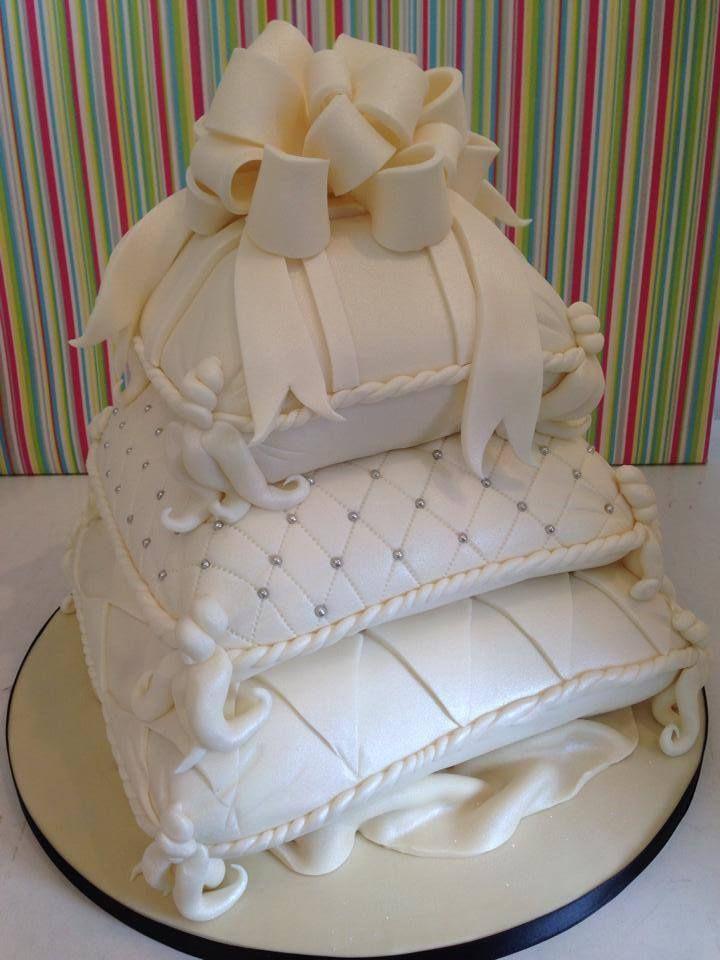 Pillow Wedding Cakes  Best 25 Pillow wedding cakes ideas on Pinterest