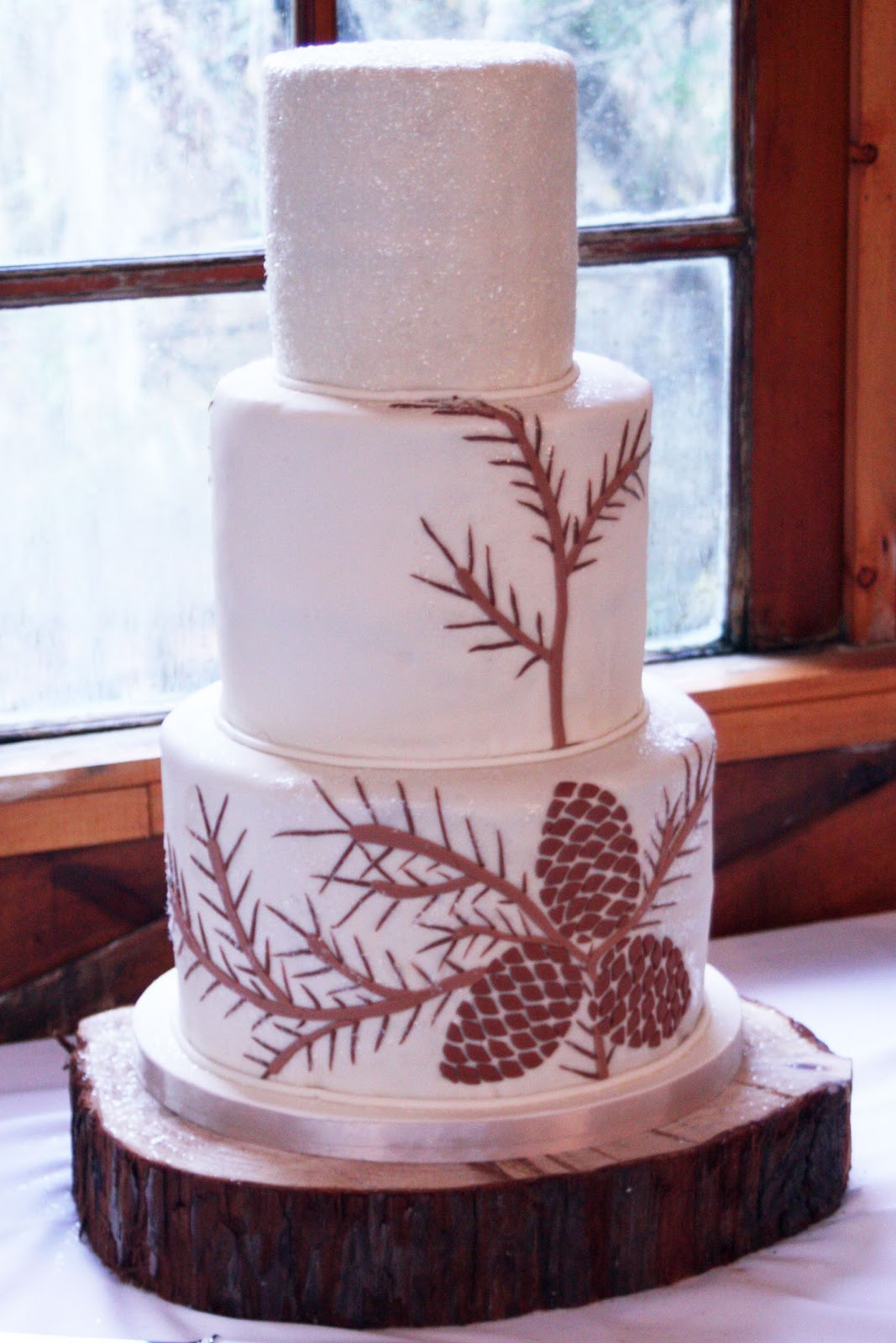 Pine Cone Wedding Cakes  Pastries By Vreeke Calamigos December Wedding
