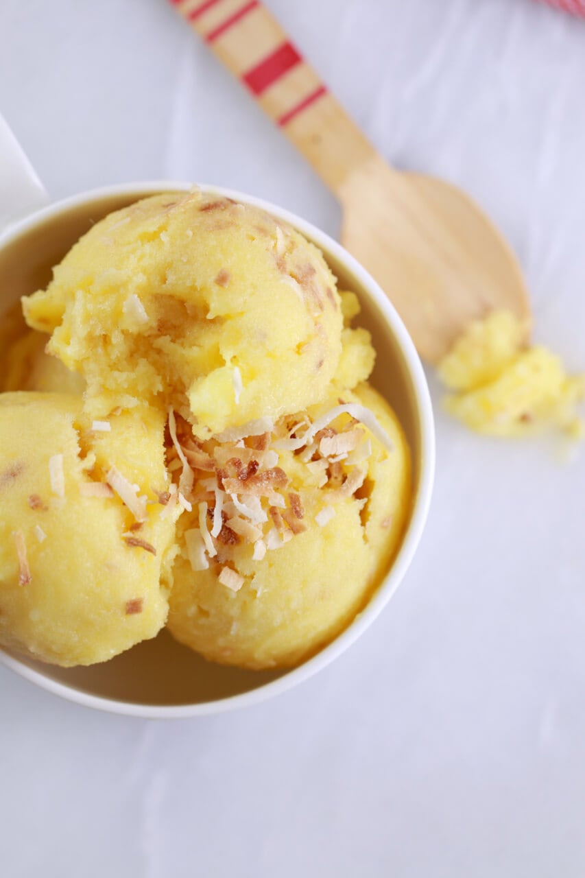 Pineapple Desserts Healthy  Pineapple and Coconut Frozen Yogurt in 5 Minutes No