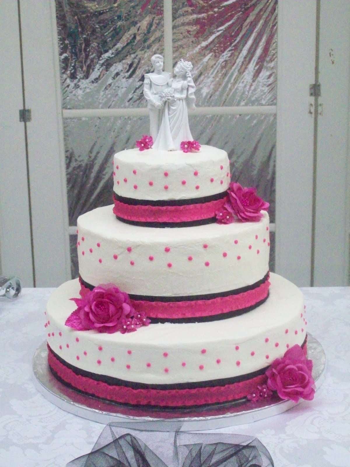 Pink And Black Wedding Cakes  BB Cakes Hot pink and black wedding cake