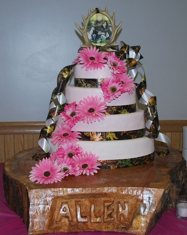 Pink Camouflage Wedding Cakes  Camo and Pink Wedding Cakes SweetTpieS Dessert Studio