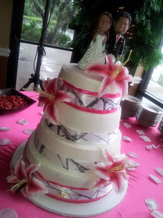 Pink Camouflage Wedding Cakes  White Realtree Camo Wedding Cake cake by