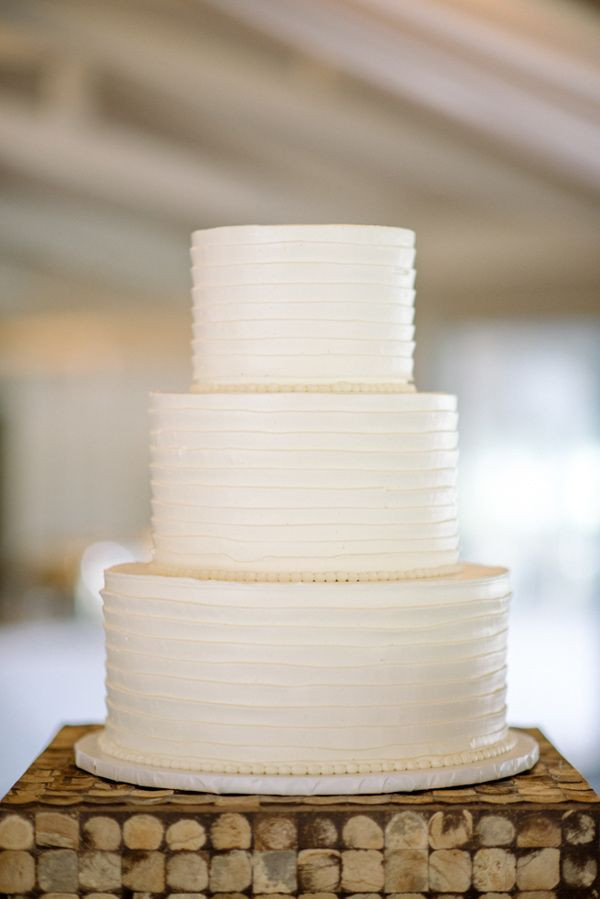 Plain White Wedding Cake  25 best ideas about Plain wedding cakes on Pinterest