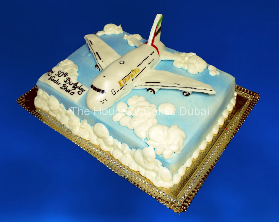 Plane Wedding Cakes  Emirates Airlines Plane Cake