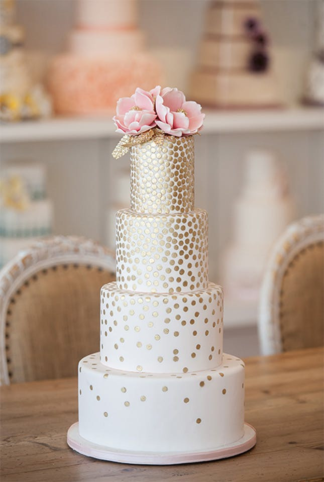 Polka Dots Wedding Cakes  20 Ways to Dip Your Wedding Day in Dots