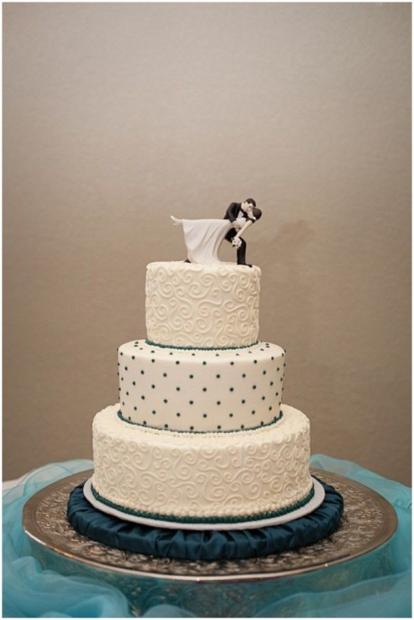 Polka Dots Wedding Cakes  Polka Dot Wedding Cake